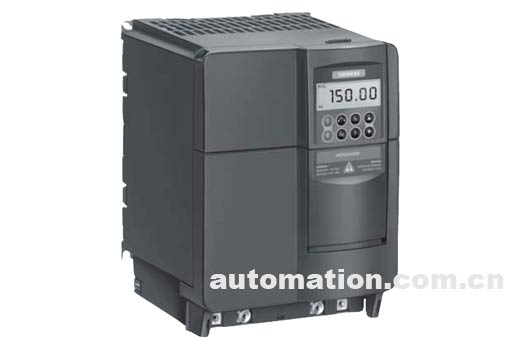 MICROMASTER 420变频器用于驱动普通应用对象的情况下,只要对它进行简单的组态,就可以满足您对特定传动系统的控制要求。在功率较小时,单相电源和三相电源都可以作为MICROMASTER 420变频器的供电电源,而且,由于变频器采用的是模块化设计,您可以选用各种选件,非常方便地对传动装置进行扩展,从而实现多种标准功能。所以,这种变频器是在常规情况下通用的。MICROMASTER 420变频器还有其他一些特点,例如,插入式模板和不用螺丝的接线端子,它们在插入、拔出、接线和拆线时都非常方便,变频器的配置